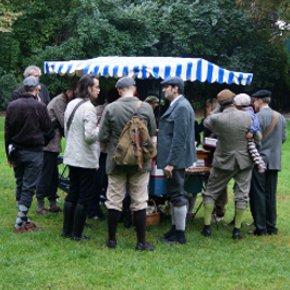 "Die ""Bande"", die alles ins Rollen brachte: Erstmals Tweed Day in Berlin"
