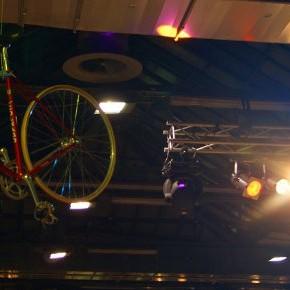 Dynamisches Grundrauschen: Gang durch die Berliner Fahrrad Schau / 11.12