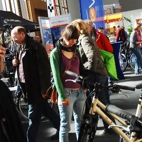 VELOBerlin: Urbane Mobilität, Reisen per Pedale / 10.12