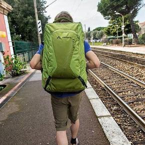 Reisen mit einem Koffer-Rucksack-Trolley